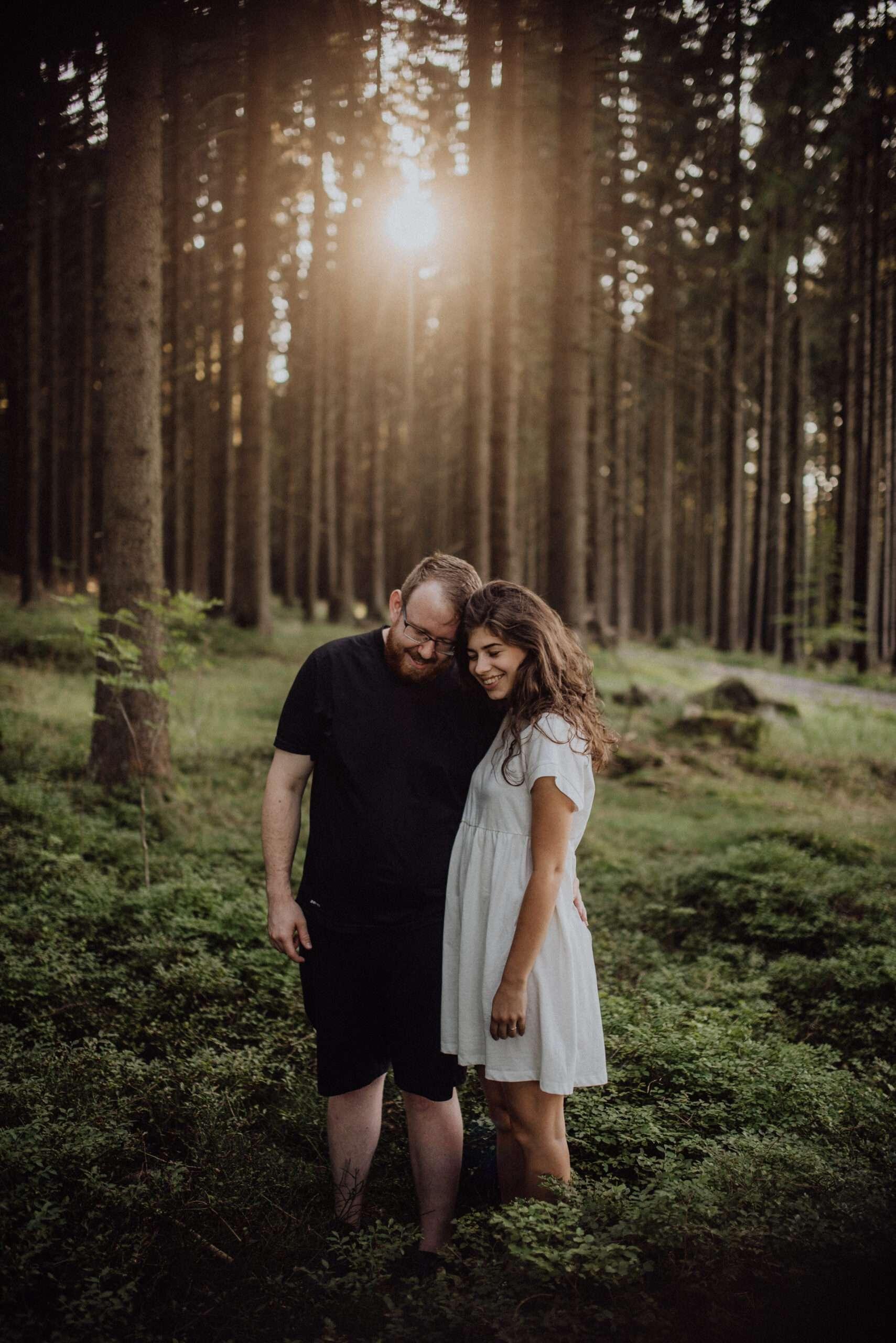 Předsvatební focení v lese západ slunce, Vysočina